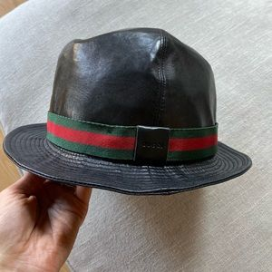 Leather Gucci hat almost new